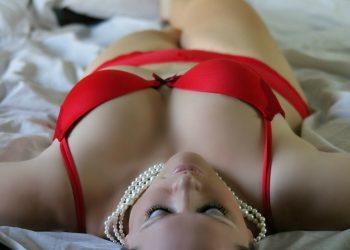 sexy - sfatlparintilor.ro - pixabay_com - girl-254708_1920