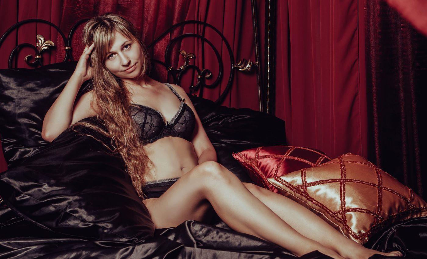 ponturi ca sa-ti cresti cheful de sex - sfatulparintilor.ro - pixabay-com - in-lingerie-2969980_1920