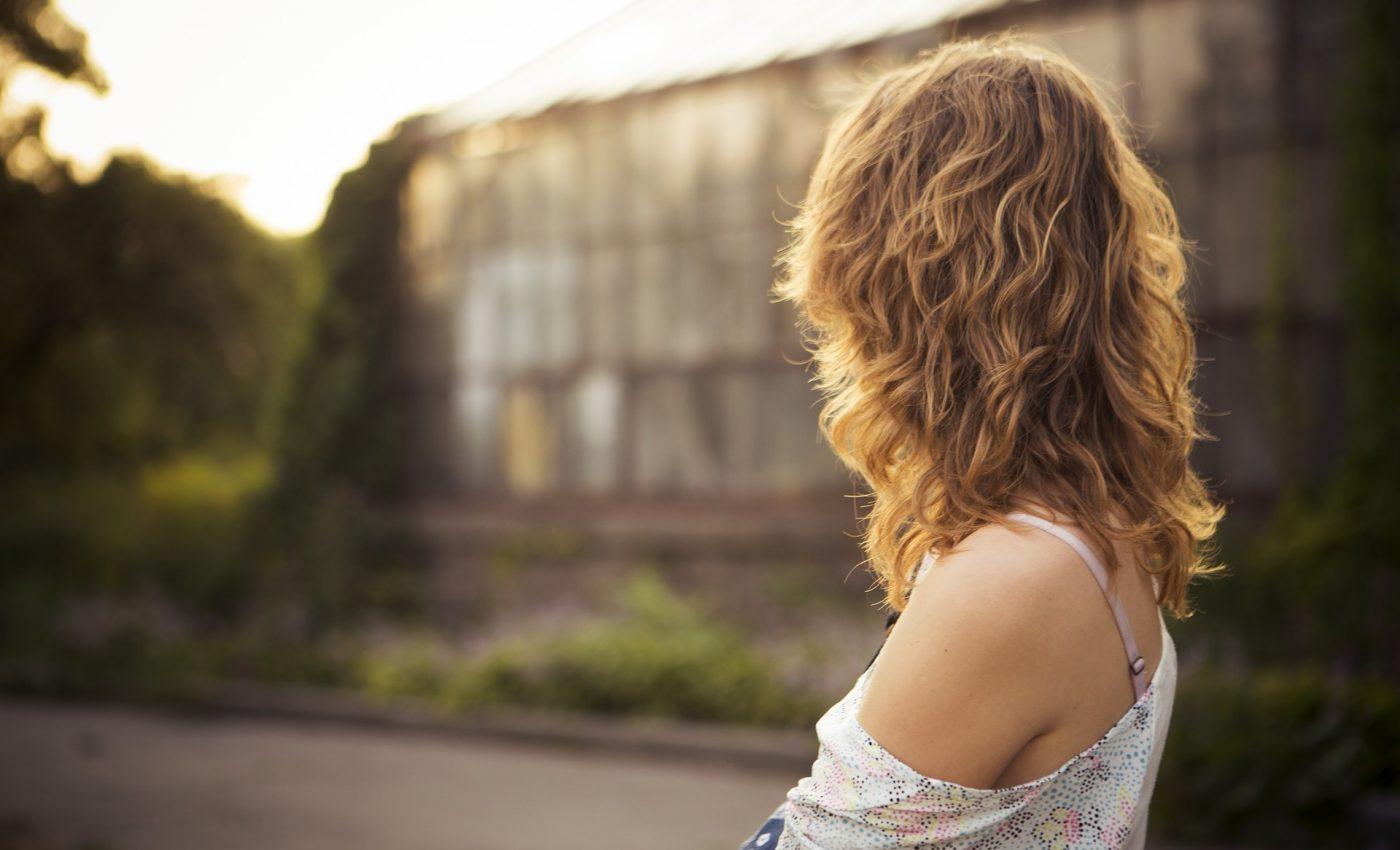 tipuri de femei singure - sfatulparintilor.ro - pixabay-com - person-690033_1920