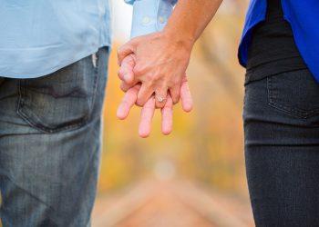 De ce anume fug barbatii - sfatulparintilor.ro - pixabay_com - holding-hands-2180640_1920