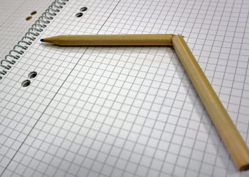 fractura de penis - sfatulparintilor.ro - pixabay_com - pencil-1758277_1920