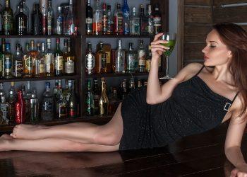 bauturi care cresc pofta de sex - sfatulparintilor.ro - pixabay-com - bar-1076996_1920