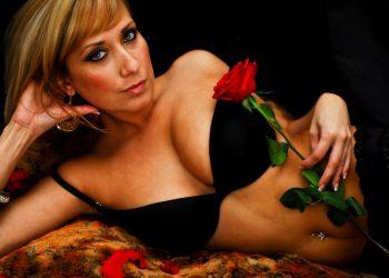 Cum sa fii sexy in pat -sfatulparintilor.ro - pixabay_com - red-3738520_1920