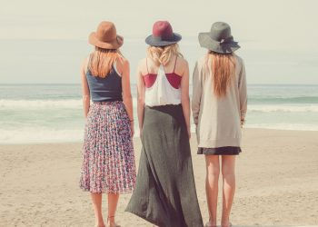tipuri de femei cu care barbatii refuza sa se insoare - sfatulparintilor.ro - pixabay_com - beach-1868130_1920