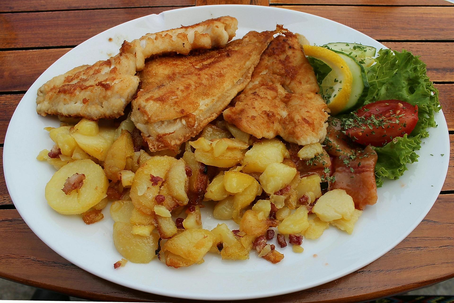 Peste cu cartofi la cuptor - sfatulparintilor.ro - pixabay_com - eat-504843_1920