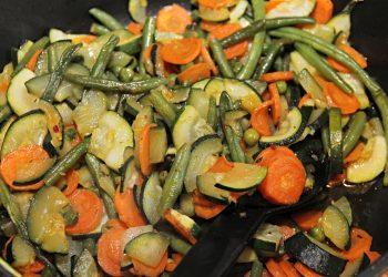 ghiveci de legume cu pui - sfatulparintilor.ro - pixabay_com - vegetables-3238149_1920