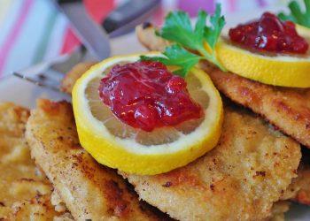 snitel in crusta de porumb - sfatulparintilor.ro - pixabay_com - schnitzel-3279055_1920