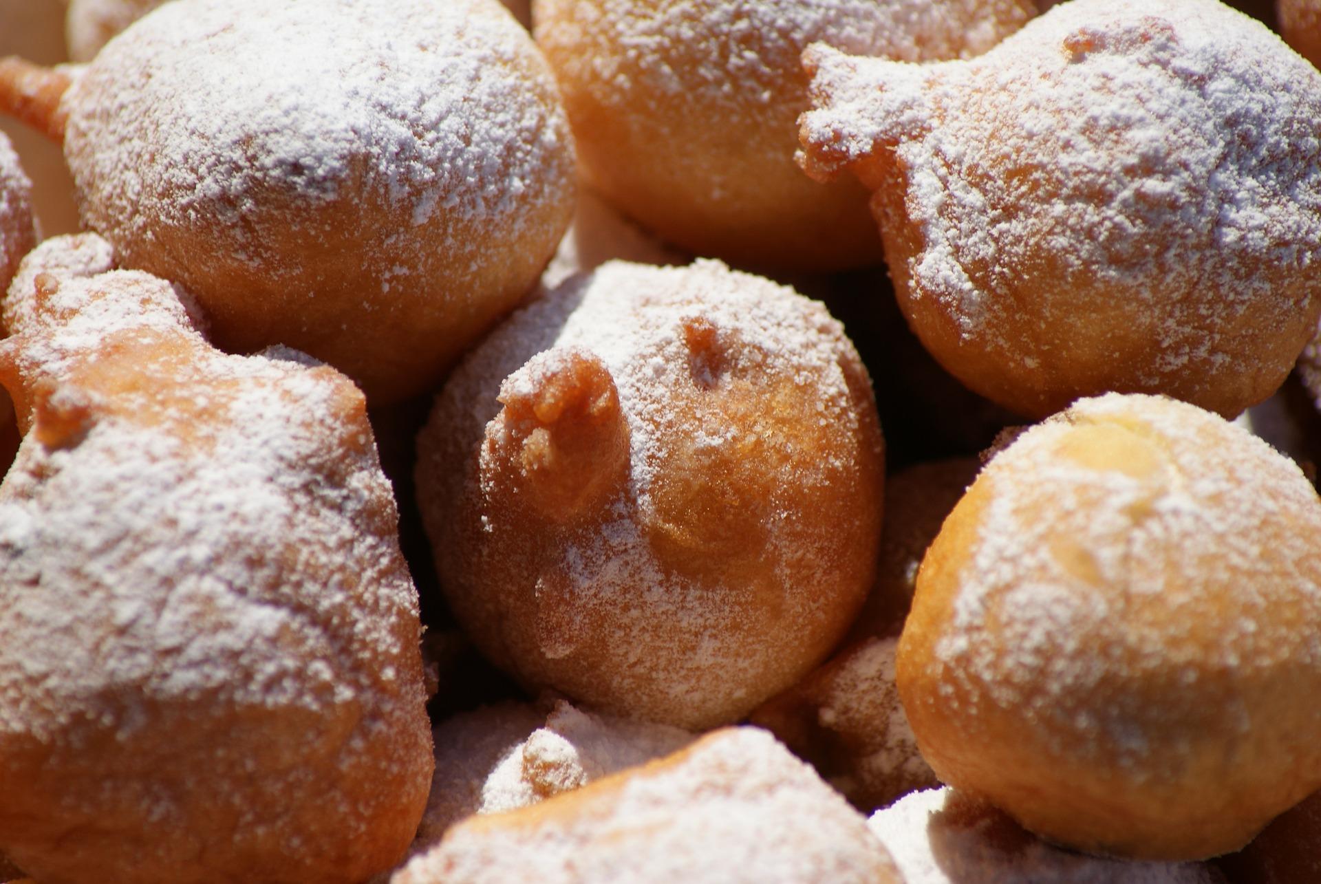 Gogosi pufoase si delicioase - sfatulparintilor.ro - pixabay_com - a-delicacy-322722_1920