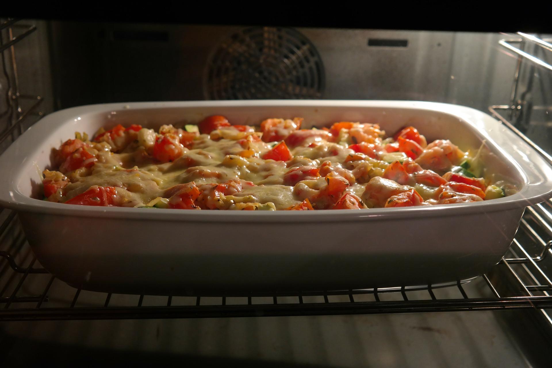 Lasagna cu parmezan si carne tocata - sfatulparintilor.ro - pixabay_com - cheese-casserole-283271_1920