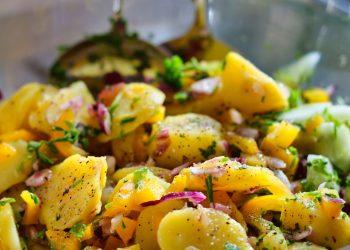 Salata orientala - sfatulparinitlor.ro - pixabay_com - potato-salad-4836398_1920