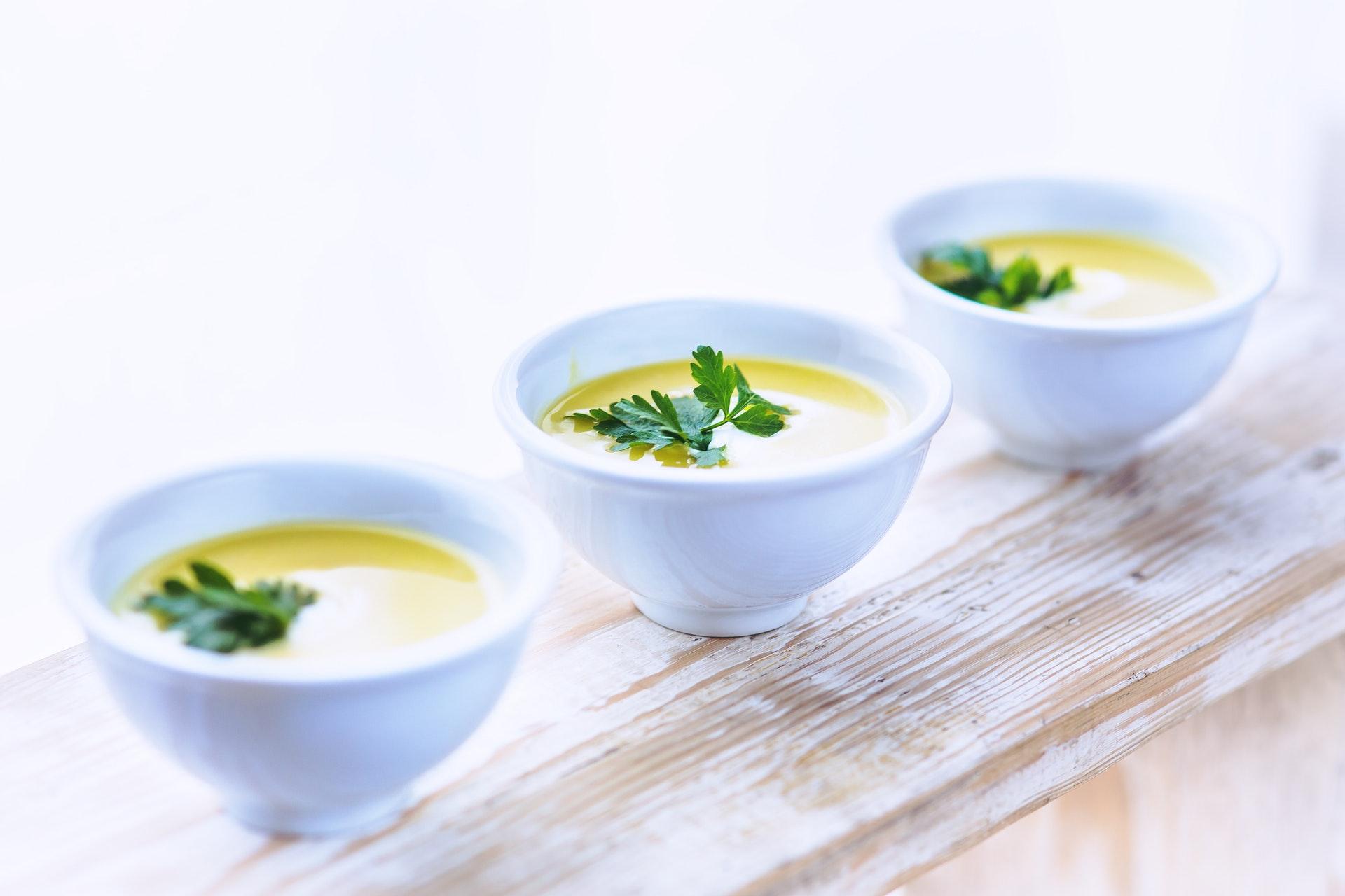 Supa din verdeturi de primavara