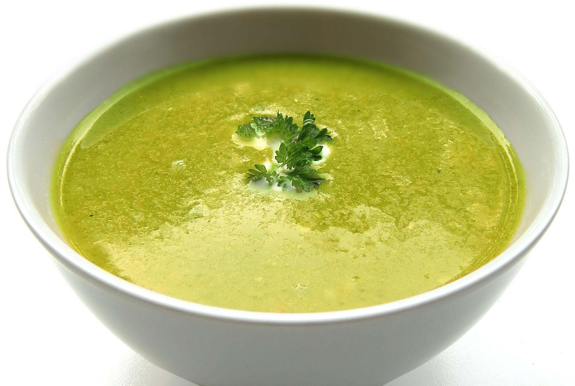 urzici cu usturoi - sfatulparintilor.ro - pixabay-com - soup-cream-soup-bowl-40814