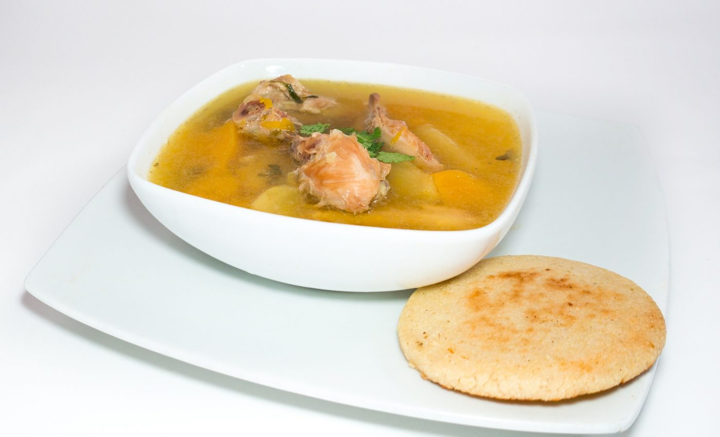 Supa de pui - sfatulparintilor.ro - pixabay_com - arepa-3411987_1920