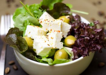 Salata bulgareasca de post - sfatulparintilor.ro - pixabay_com - salad-2098453_1920