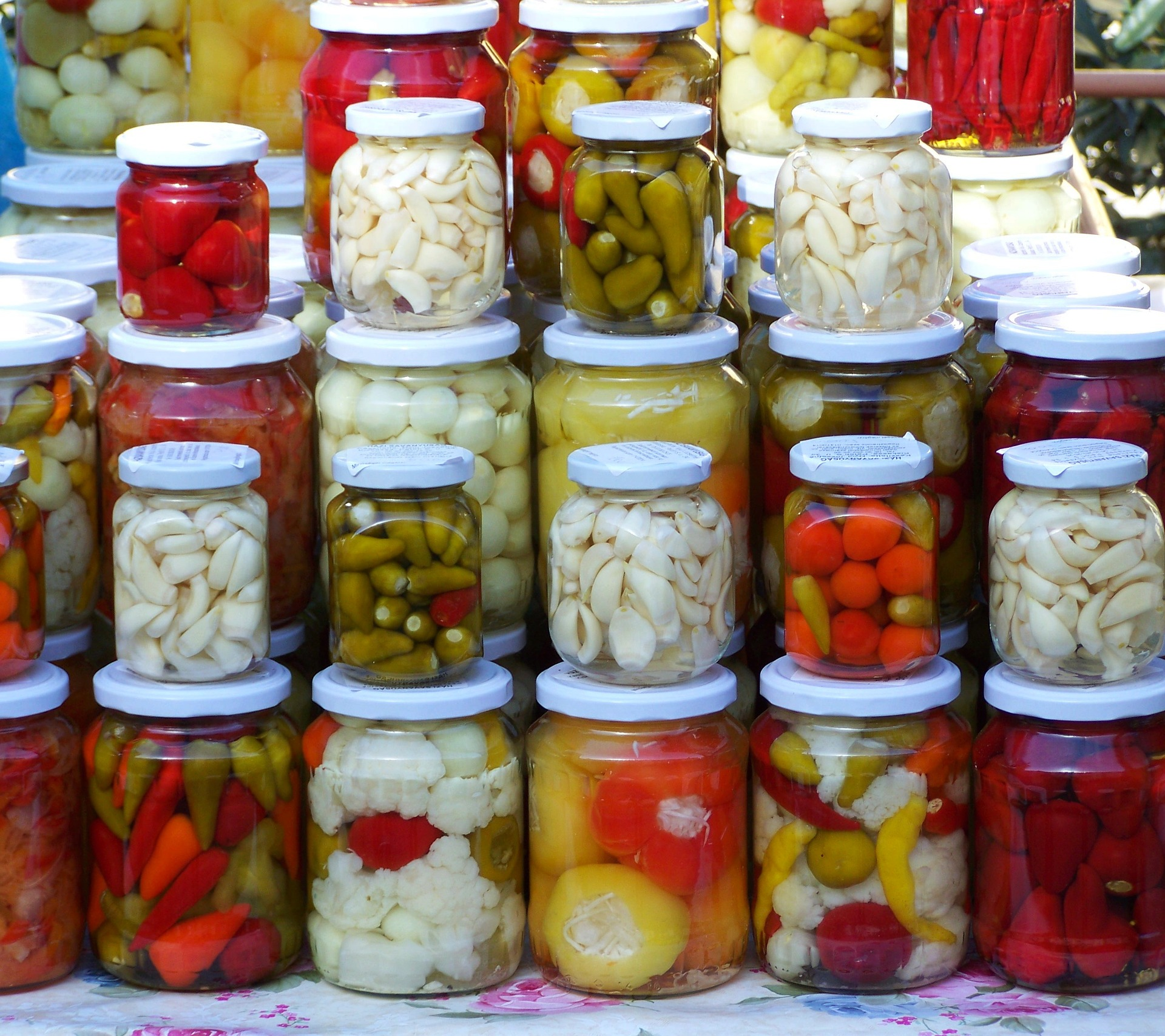 muraturi asortate - sfatulparintilor.ro - pixabay_com - pickled-vegetables-2110970_1920