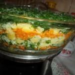 Reteta zilei: Salata de ridiche neagra cu cartofi, marar si boia