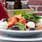 Salata de pui cu masline