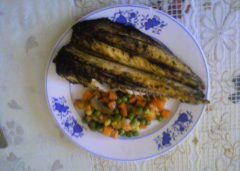 Peste fript cu legume