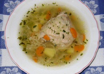 Ciorbita de legume cu carne de pui