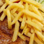 Friptura de porc cu cartofi prajiti
