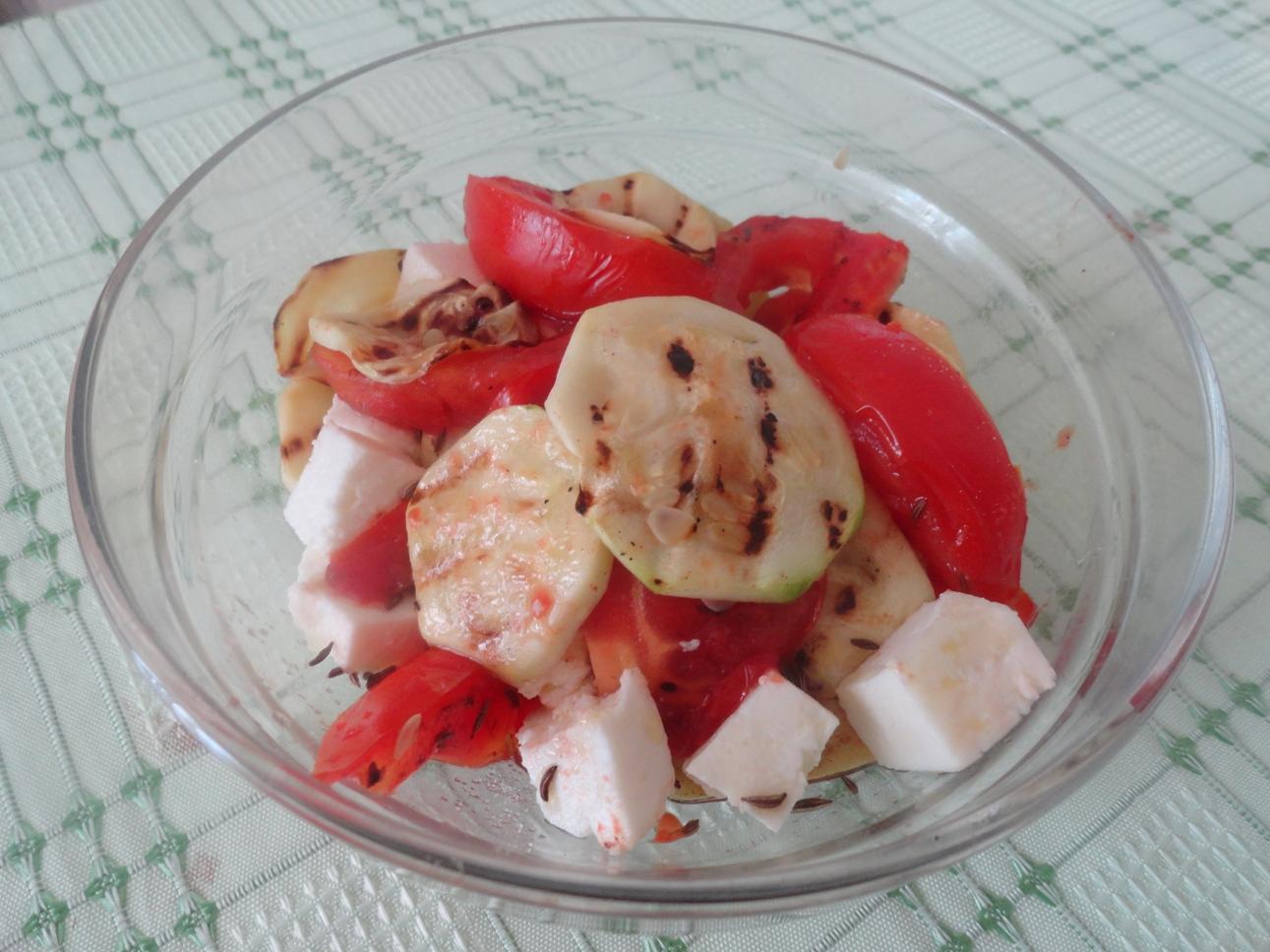 Salata cu legume coapte pe gratar