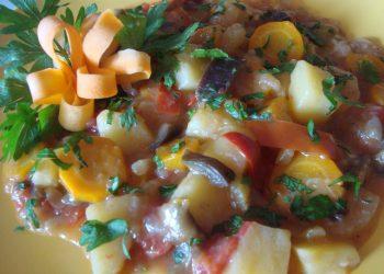 Ghiveci taranesc de legume - retetele tale.ro