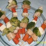 Frigarui de pui cu legume si mozzarella