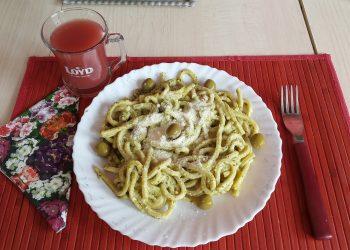 Spaghete cu mazare si ciuperci