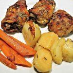 Retete de Pasti: Pulpa de pui la cuptor cu cartofi natur