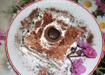 Tort de biscuiti cu crema de branza