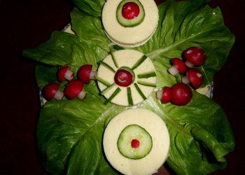 Sandwich-uri cu cascaval si legume