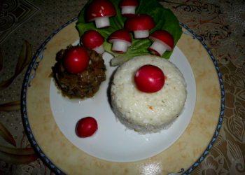 Ciupercute prajite cu garnitura de orez