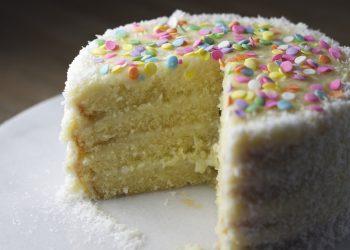 Tort cu crema de branza - sfatulparintilor.ro - pixabay_com - cake-727854_1920