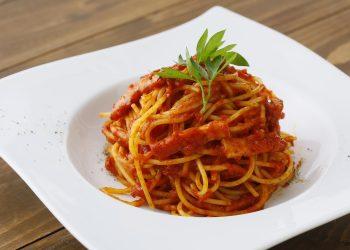 paste cu carne si sos de rosii - sfatulparinitlor.ro - pixabay-com - pasta-3150916_1920
