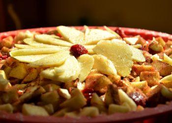 Tort de mere cu nuca