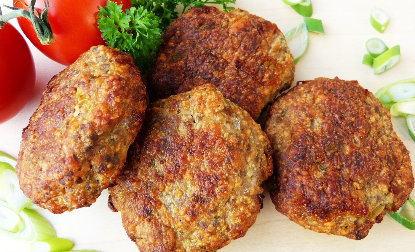 Chiftelute cu dovlecei - SFATULPARINTILOR.RO - PIXABAY_COM - meatballs-2023247_1920