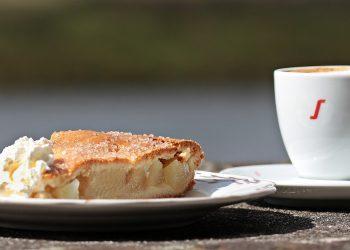 Prajitura cu mere - sfatulparintilor.ro - pixabay-com - coffee-2760064_1920