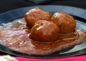 Chiftelute cu sos de rosii- SFATULPARINTILOR.RO - pixabay_com - food-1327830_1920