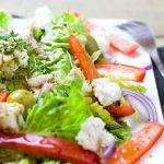 Meniul zilei by Gospodina Corporatista: Salata de spanac proaspat, musaca de vinete si cafea cu frisca