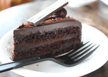 tort de ciocolata - sfatulparintilor.ro - pixabay-com - chocolate-2354710_1920
