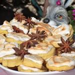 Biscuiti cu anason si bezea acrisoara