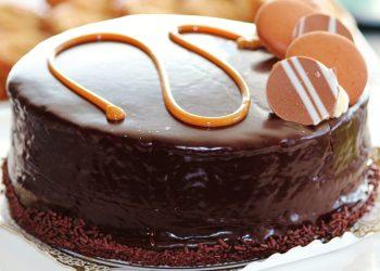 tort cu crema de ciocolata - sfatulparintilor.ro - pixabay-com - chocolate-cake-476348_1920