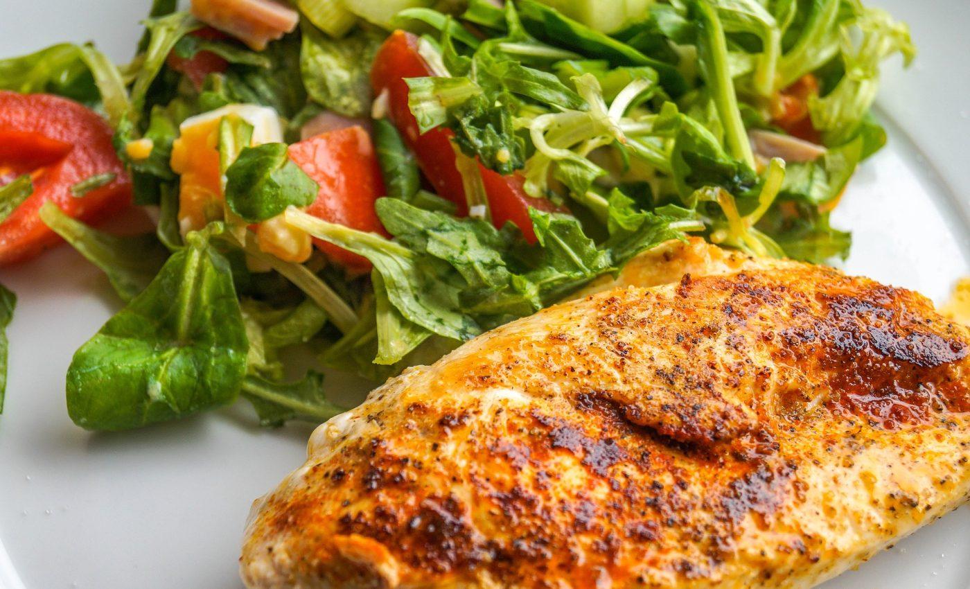 Rulouri din piept de pui cu ardei - sfatulparintilor.ro - pixabay_com - chicken-breast-filet-2215709_1920