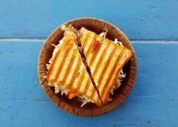 Sandwich cu pui si ardei copt - sfatulparintilor.ro - pixabay_com - bread-1867208_1920