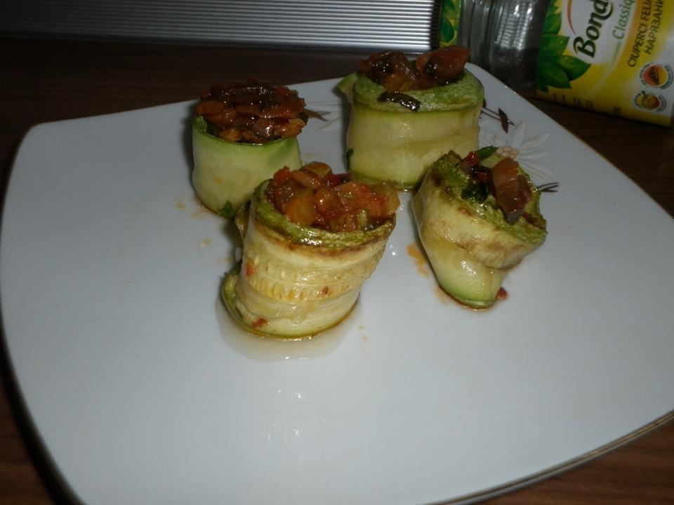 Butoiașe din dovlecel cu legume