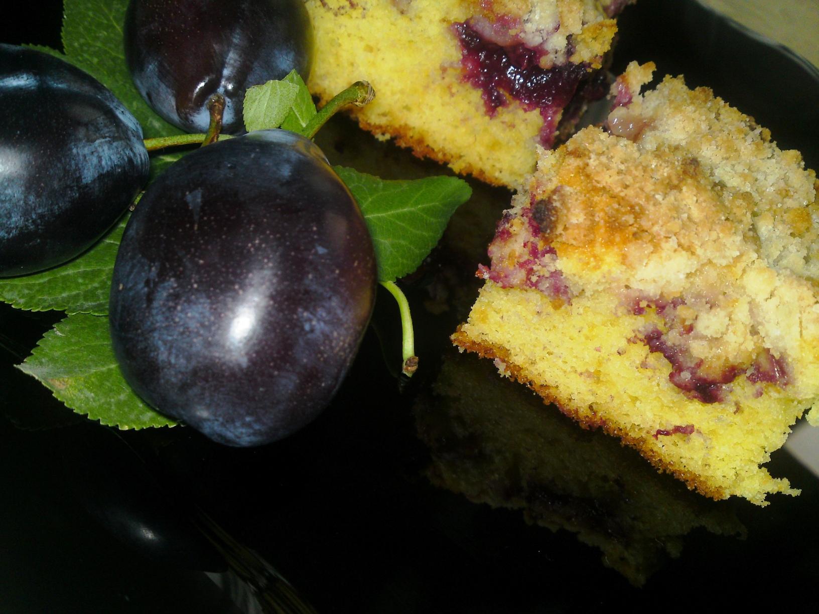Prajitura cu prune si crusta