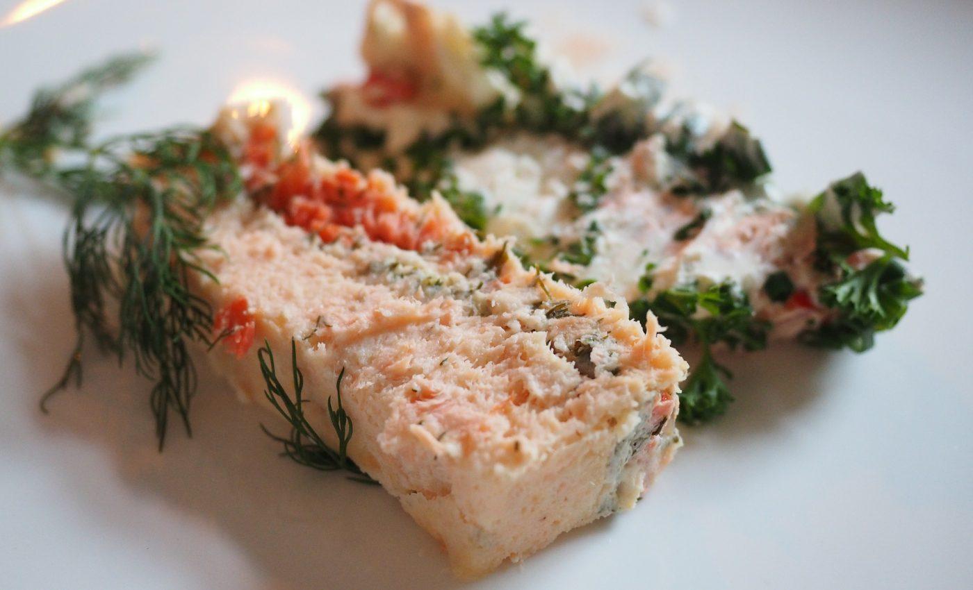 terina din piept de pui - sfatulparintilor.ro - pixabay_com - salmon-terrine-592637_1920