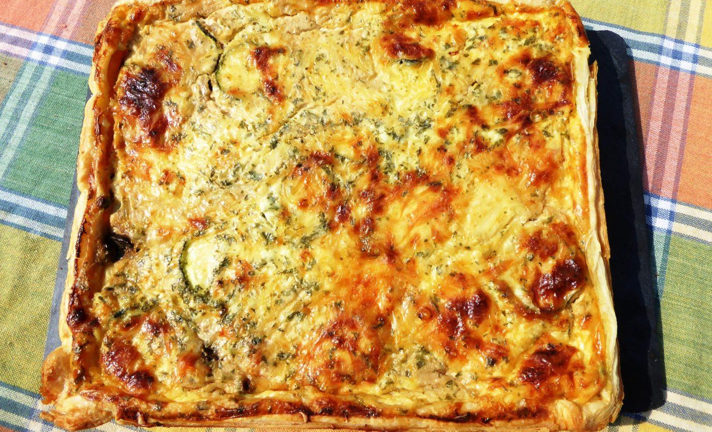 Tarta cu ceapa si sunca - sfatulparintilor.ro - pixabay_com - vegetable-cakes-1360671_1920