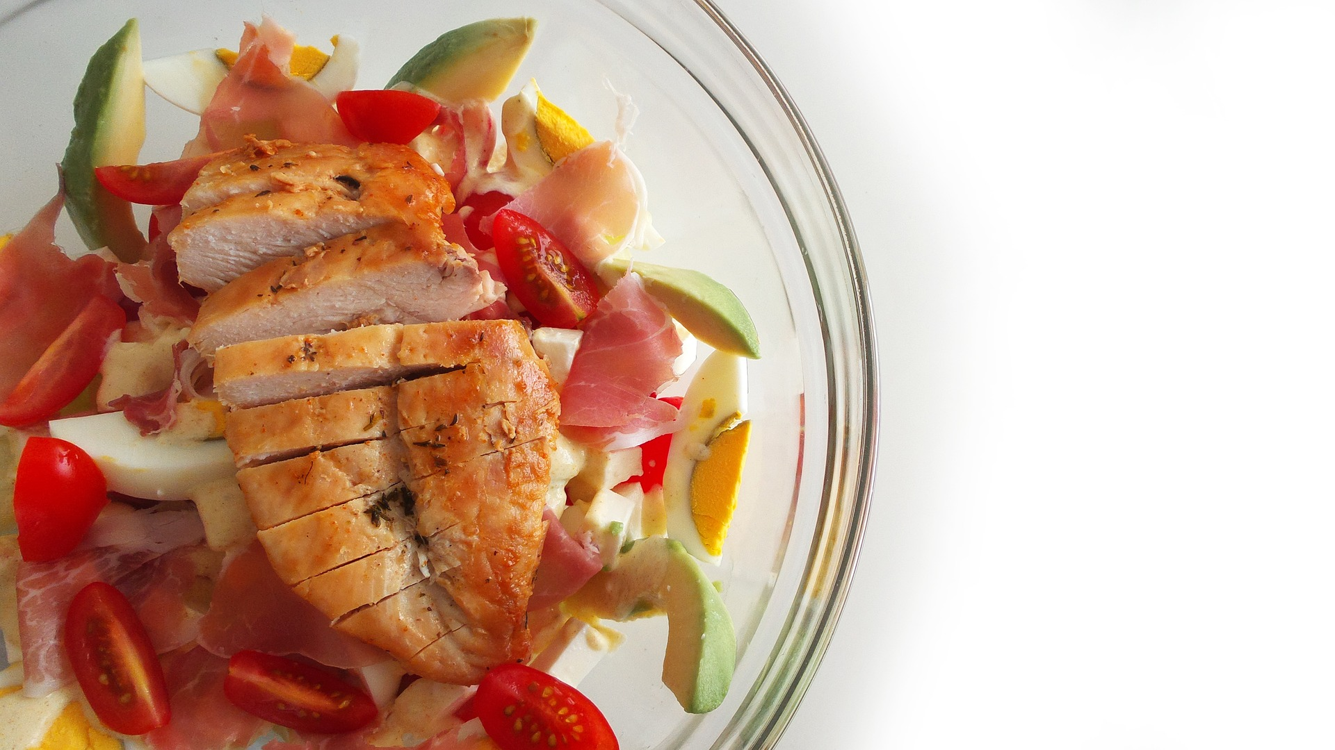 retete pentru o cina usoara - Salata de pui -sfatulparintilor.ro-pixabay_com - cobb-salad-2736125_1920