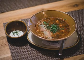 Ciorbita cu tacam de pui - sfatulparintilor.ro - pexels-com - bowl-cuisine-delicious-724667
